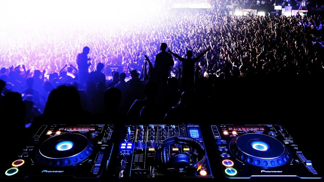 Live Concert DJ Wallpapers Hd 3909 Wallpaper Cool Walldiskpapercom 1366x768