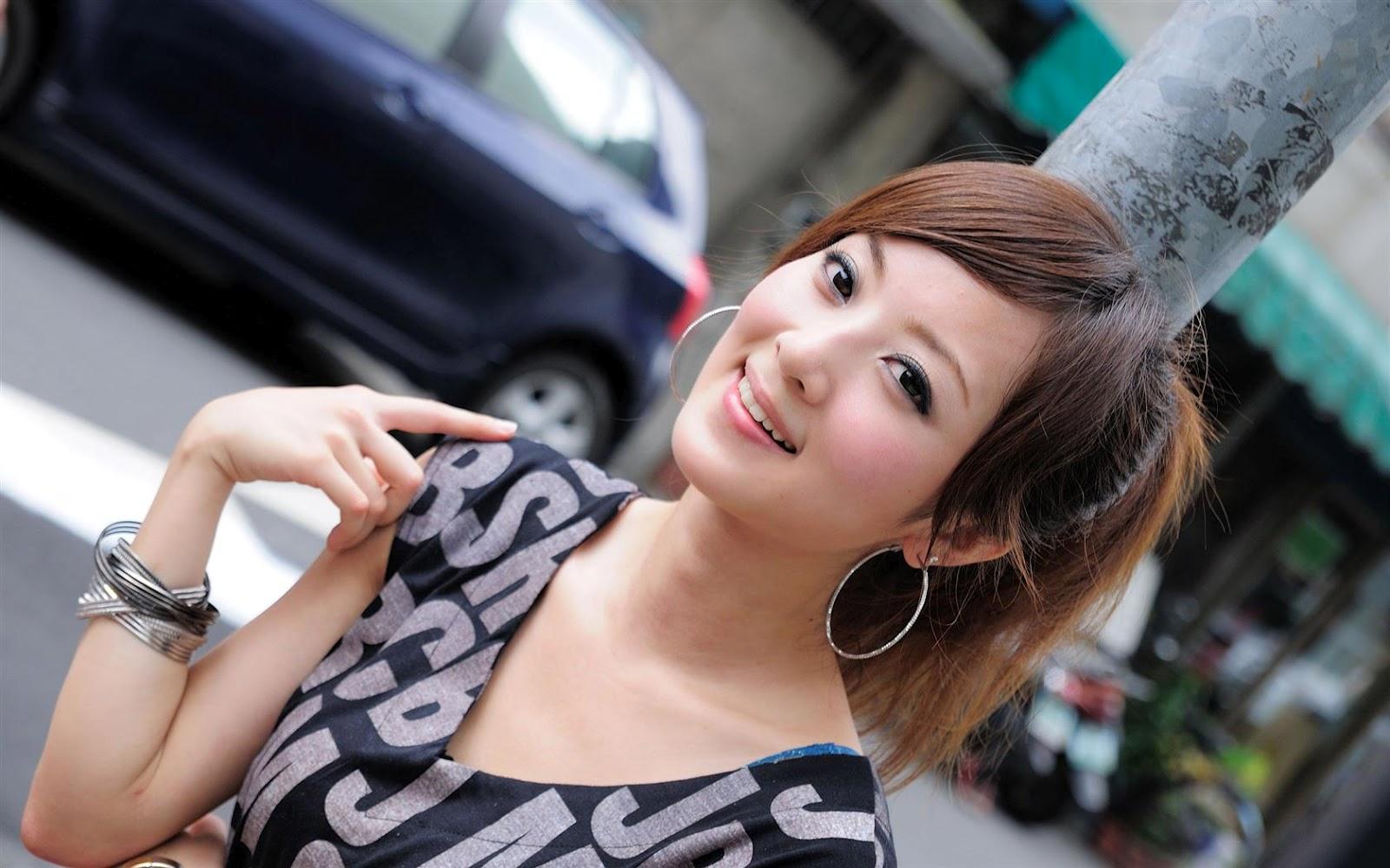 Месяцев девочке, картинка с китаянкой
