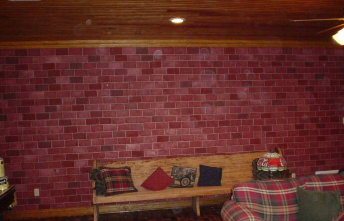 httpwwwsmscscomphotowallpaper faux rust tuscan brick wallhtml 690x444