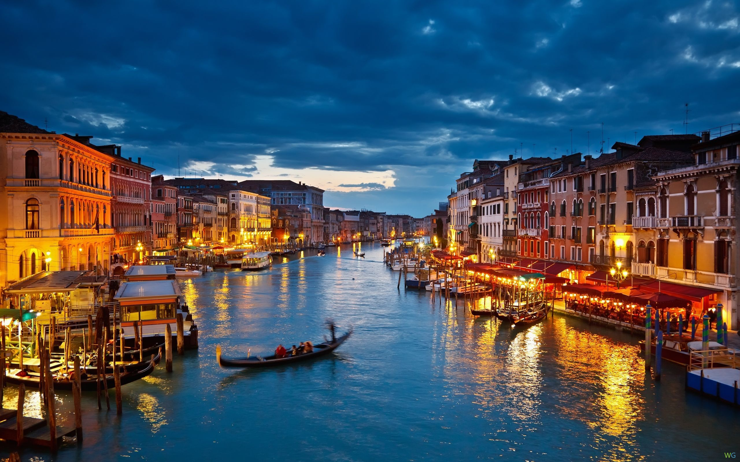 Venice Gondola At Night HD Wallpaper Background Images 2560x1600
