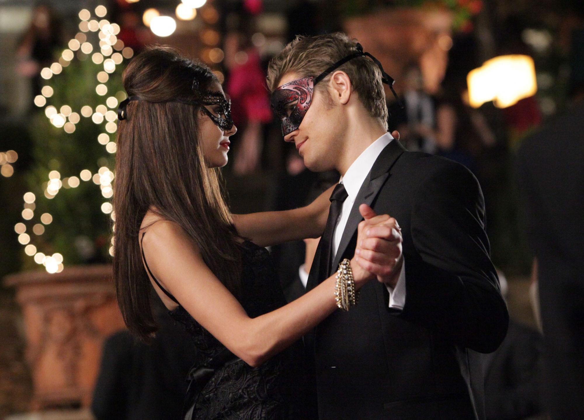 Masquerade Ball The Vampire Diaries Wiki Fandom 2000x1438