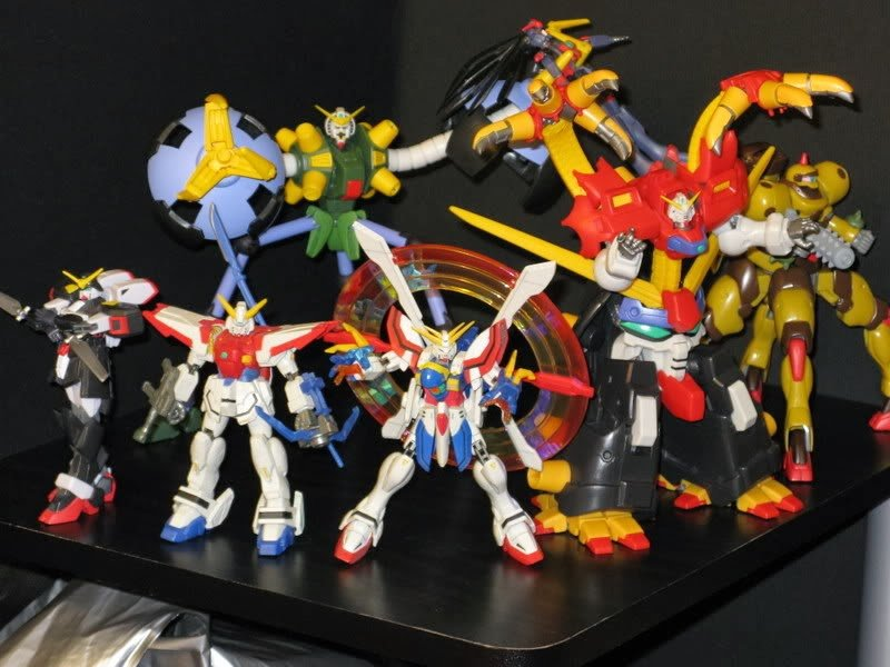 Gundam toys from left   Shadow Gundam Rising Gundam front 800x600