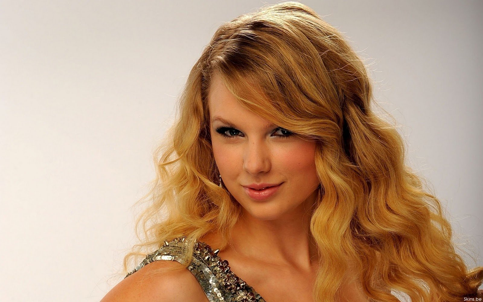 Hollywood Celebrity Taylor Swift Latest HD Wallpapers 1600x1000