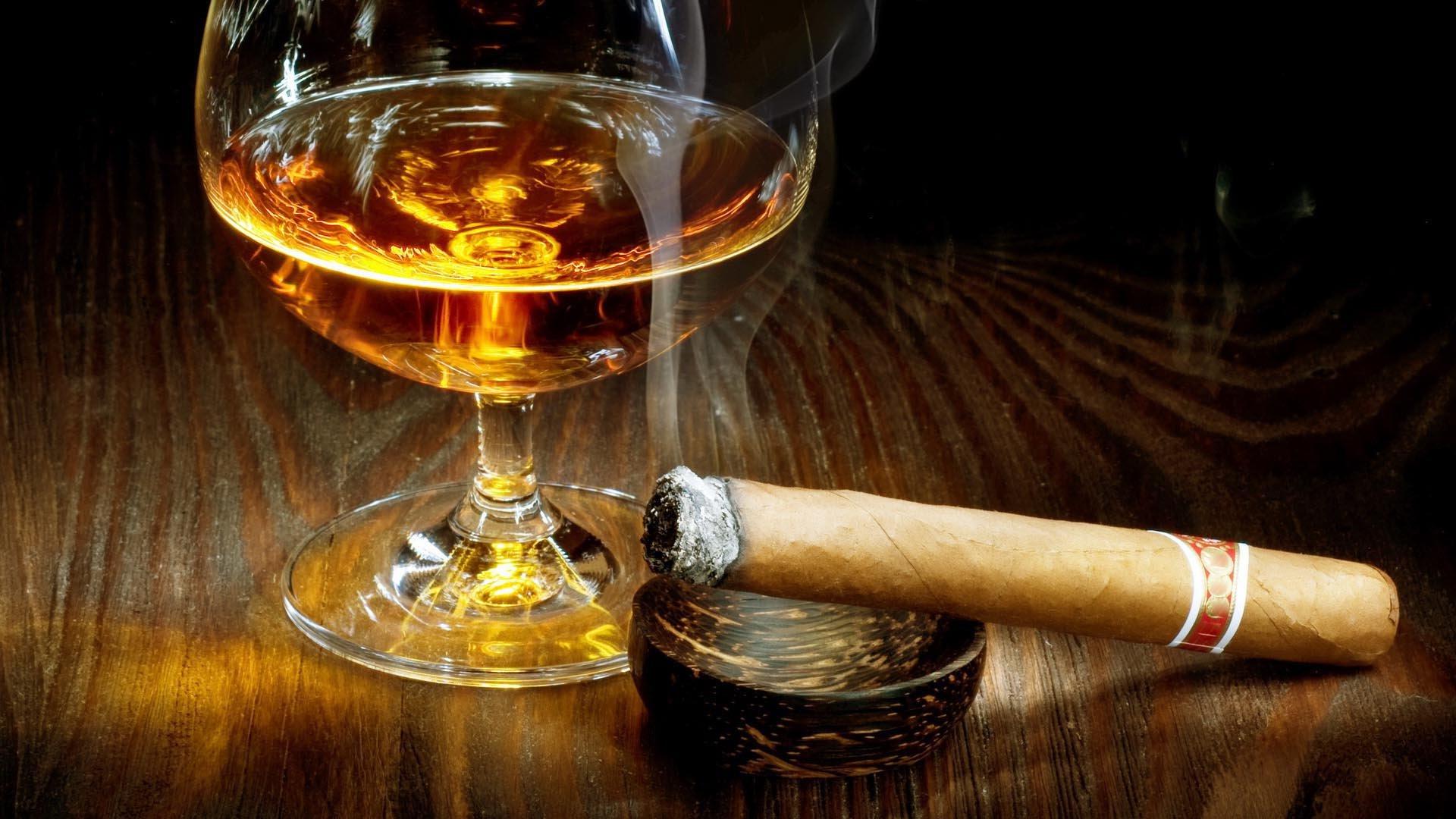 tobacco bokeh smoke smoking cigar drink alcohol drinks glass wallpaper 1920x1080