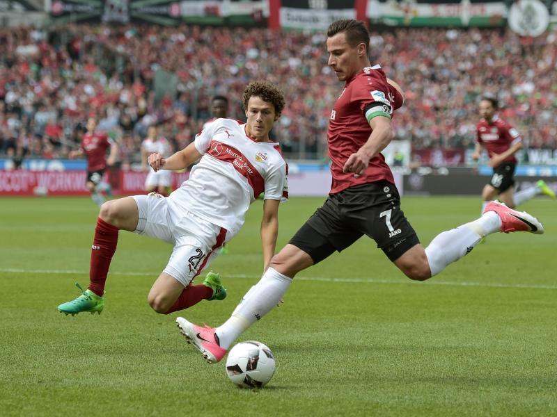 Hannover gewinnt Spitzenspiel gegen Stuttgart 10   Rhein 800x600