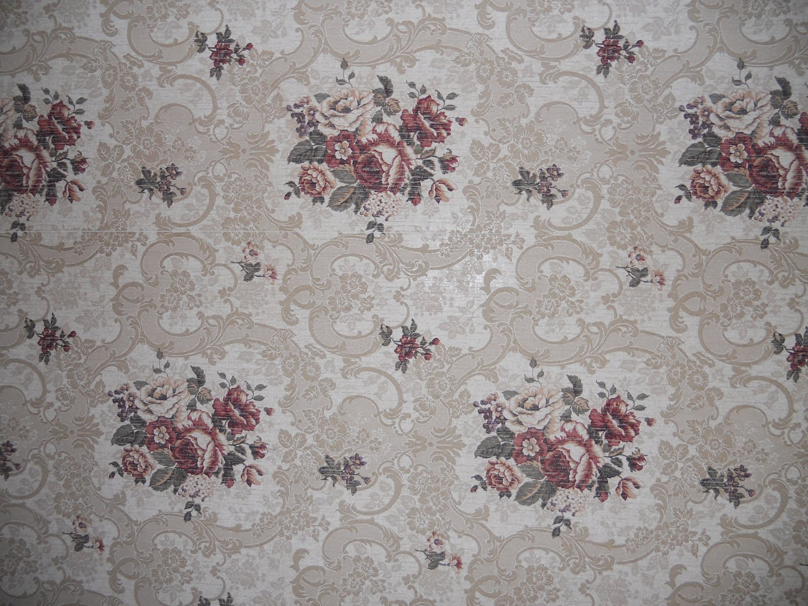is one of those quintessentially classic Victorian wallpaper patterns 1600x1200