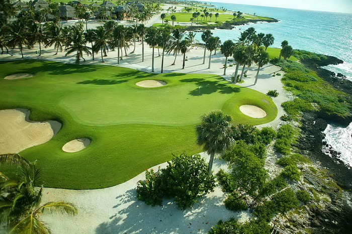 golf course pictures 700x466