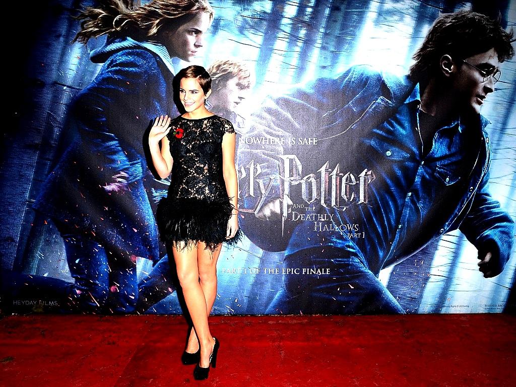 Emma Watson Wallpaper emma watson 25028859 1024 768jpg 1024x768