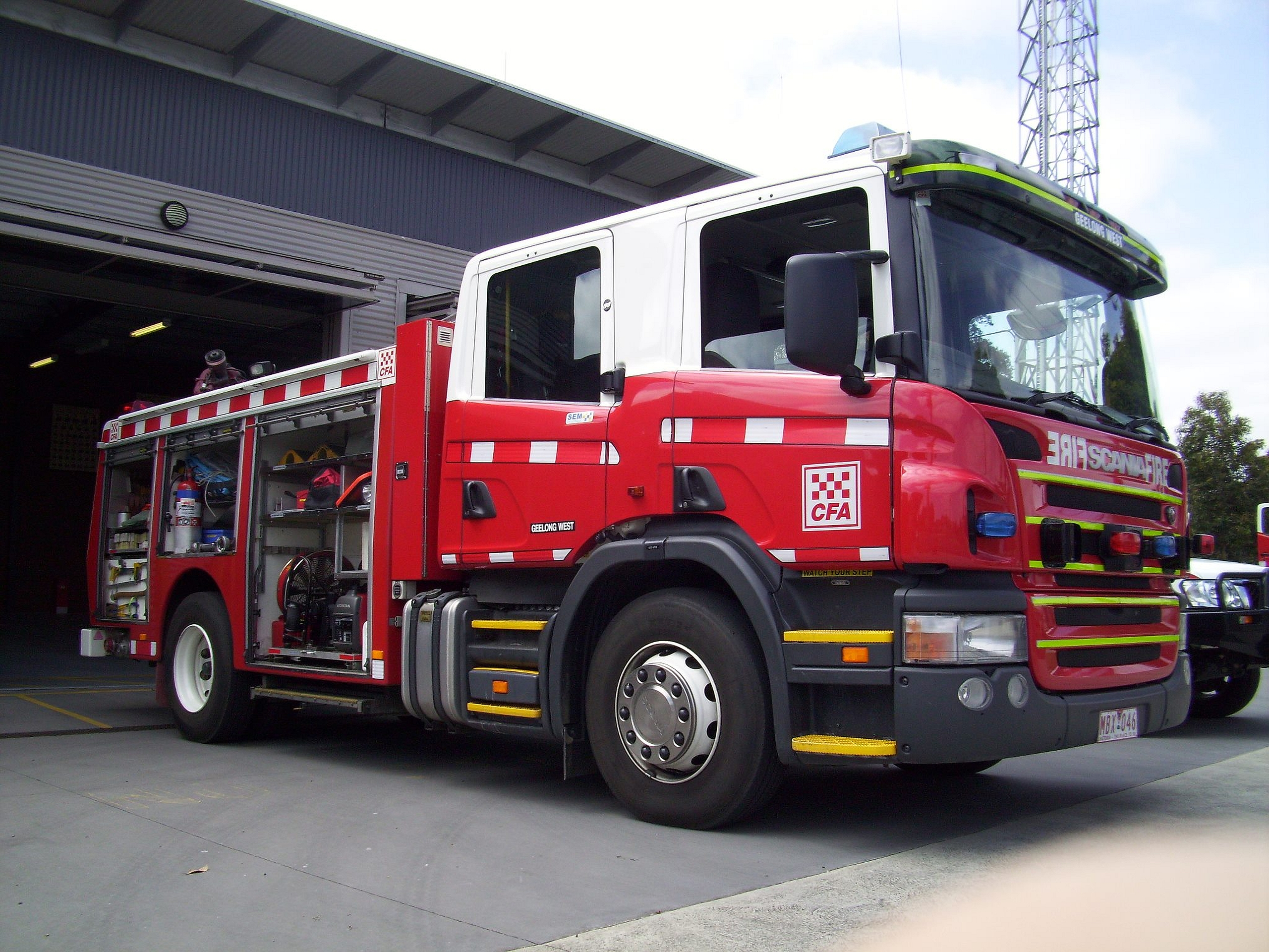 Cool Fire Truck Wallpapers Vehicles   scania fire truck 2560x1920