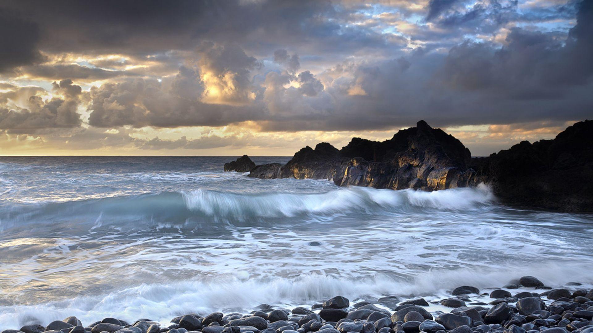 Sea Waves On Stony Shore Hd Desktop Background HD wallpapers 1920x1080