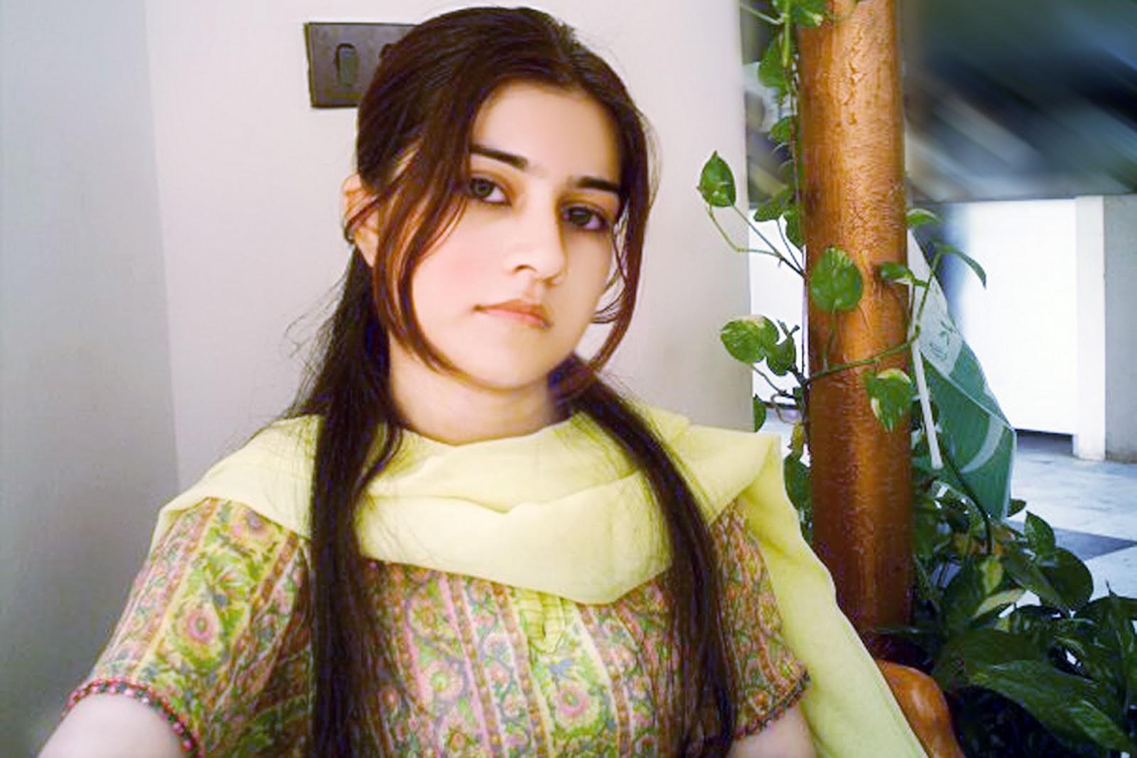 Pakistani very girls beautiful Pakistani Women:
