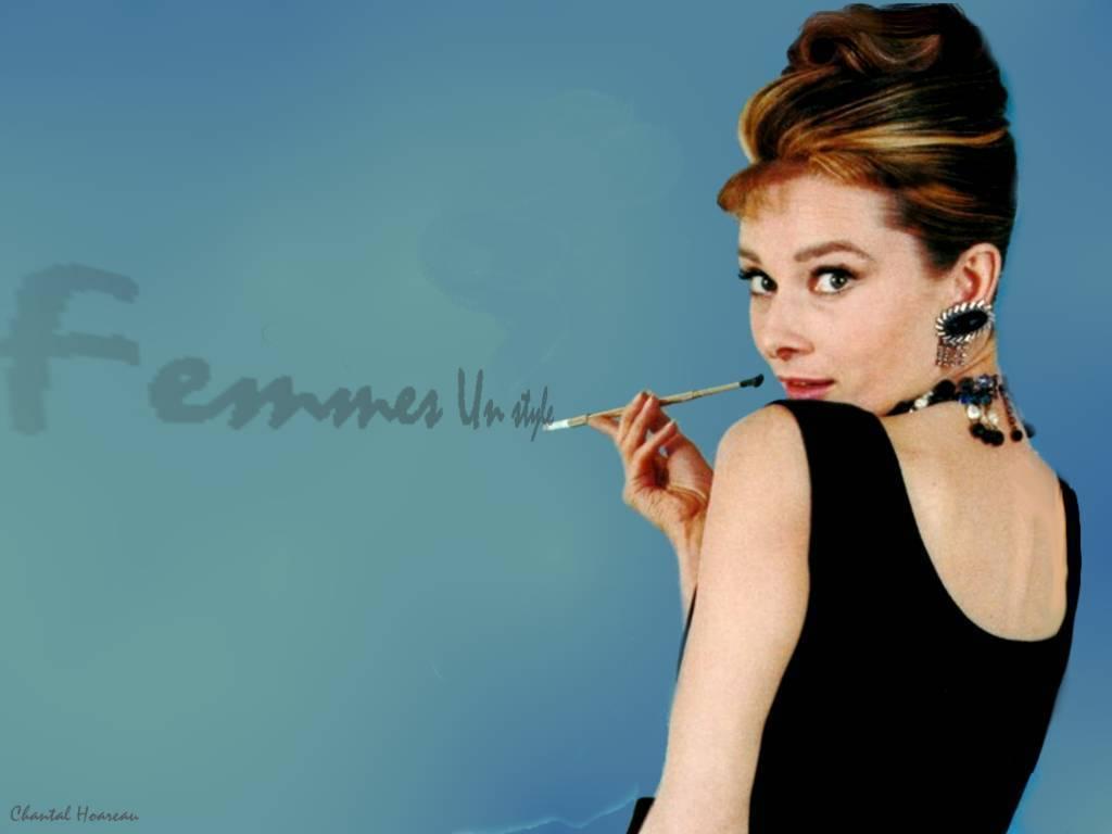 Audrey Hepburn love 1024x768