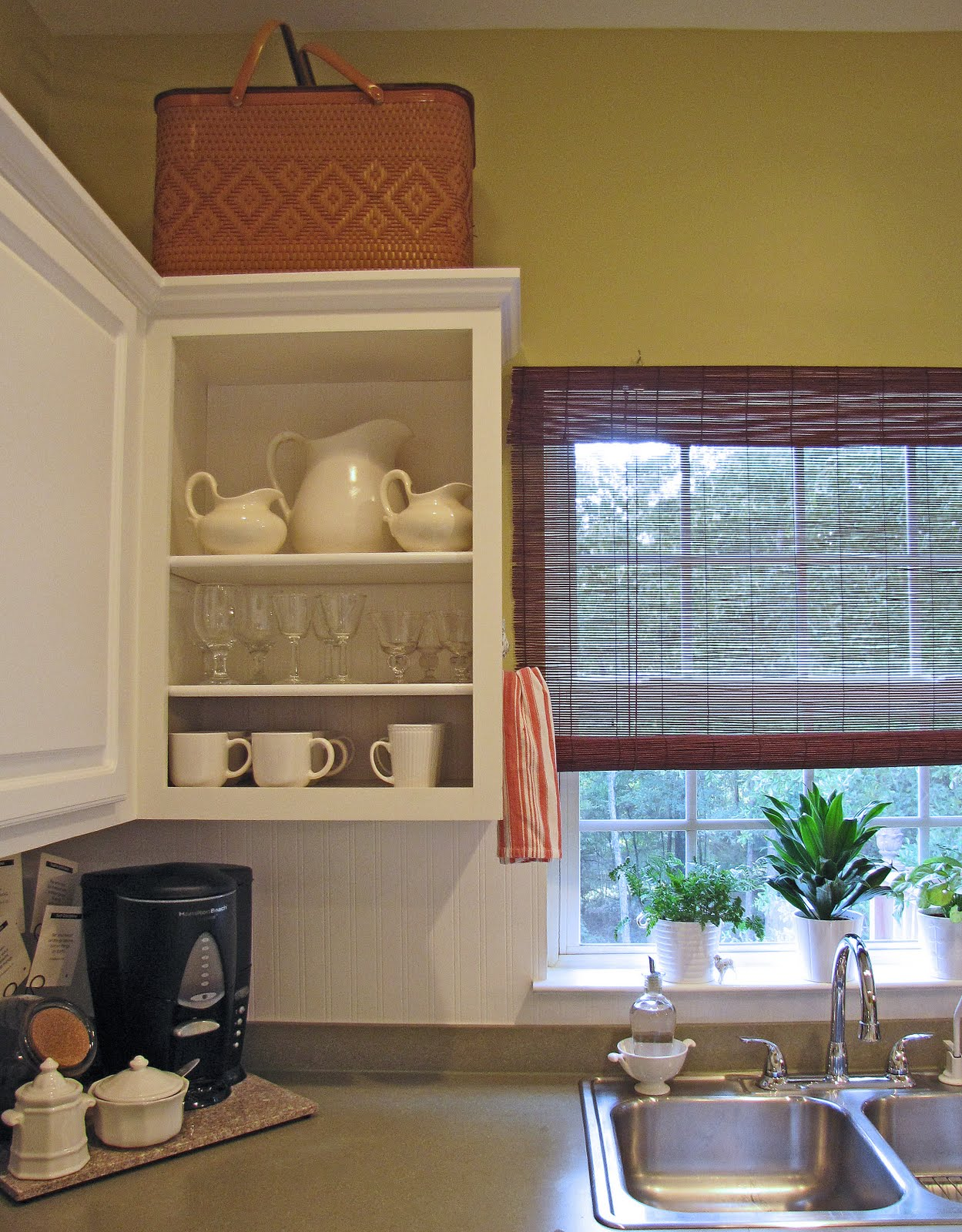 42+ Wainscoting Wallpaper Kitchen Cabinets on ...
