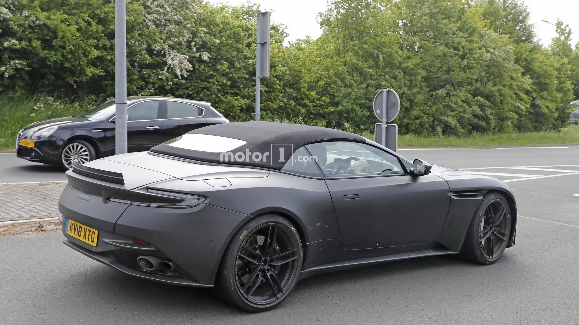 Aston Martin DBS Superleggera Volante Spied [UPDATE] 1920x1080