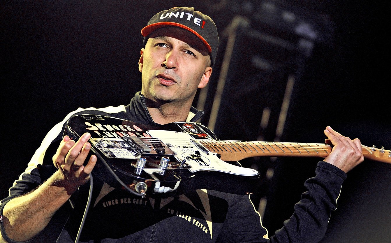 Tom Morello Young   Viewing Gallery 1342x834