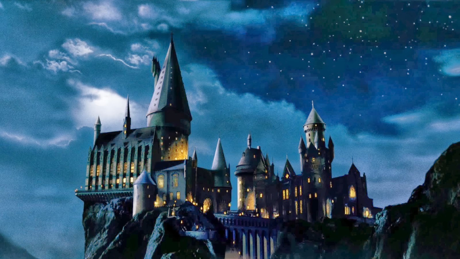 Hogwarts the school of witchcraft and wizardry made famous by Harry 1600x900