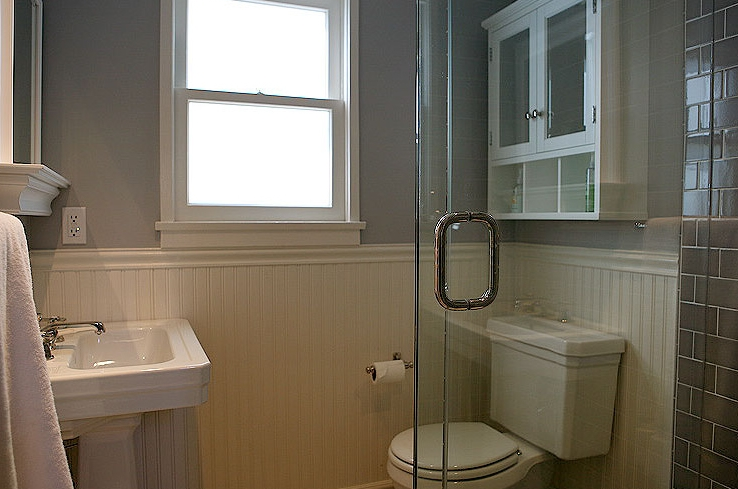 White Beadboard Backspalsh Transitional bathroom Jeff Lewis Design 738x489