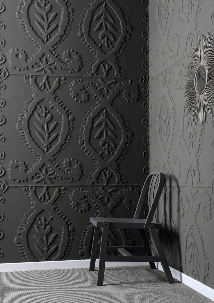 painted embossed wallpaper via Inge Zelewitz on pinterest 736x1042