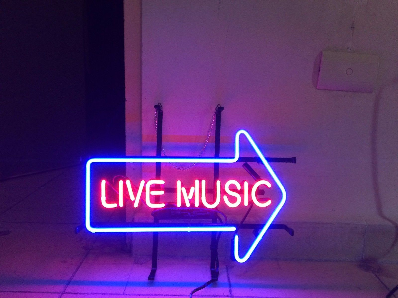 Live Music Bar Pub Beer Beer Room Hotel Game Neon Sign Light Hall 1600x1200