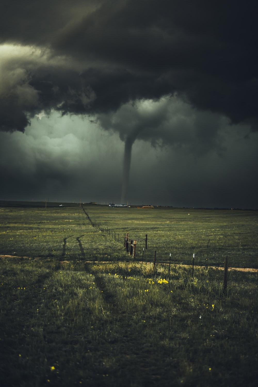 450 Tornado Pictures [HD] Download Images on Unsplash 1000x1500