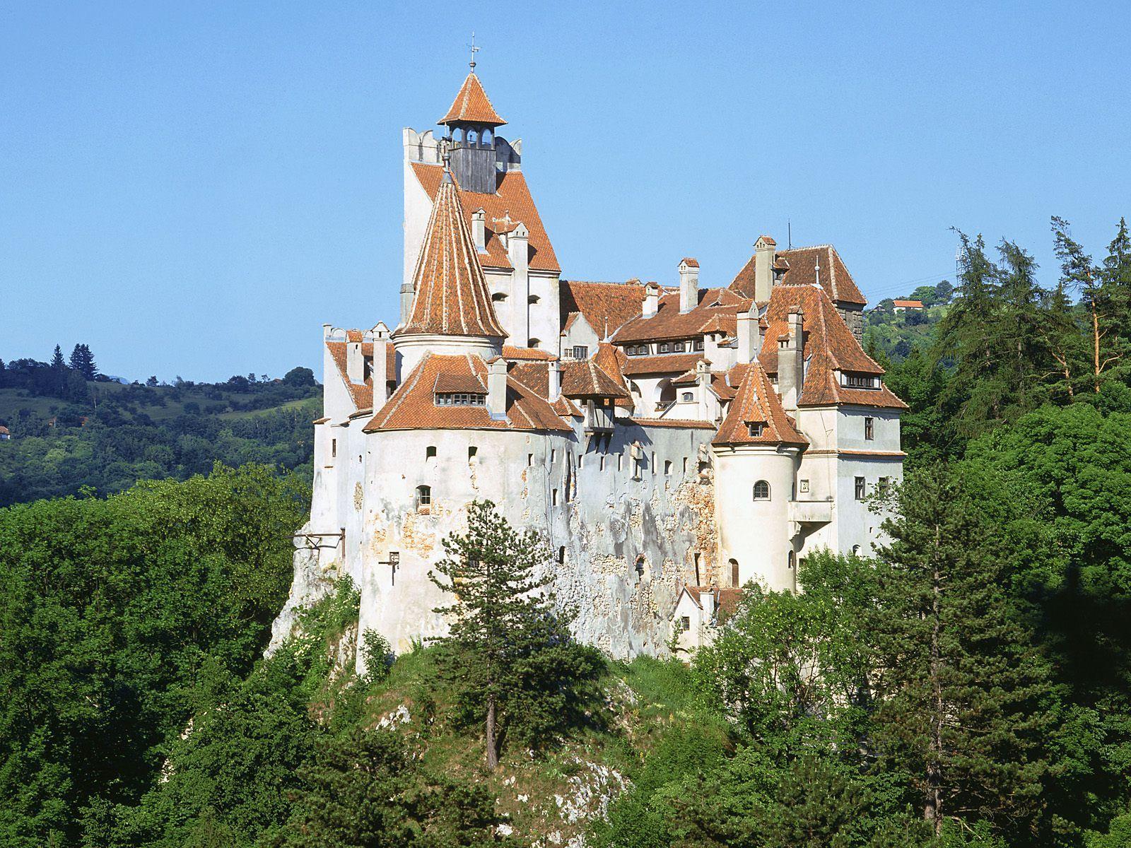 places Bran draculas Castle Romania desktop wallpaper nr 32352 1600x1200