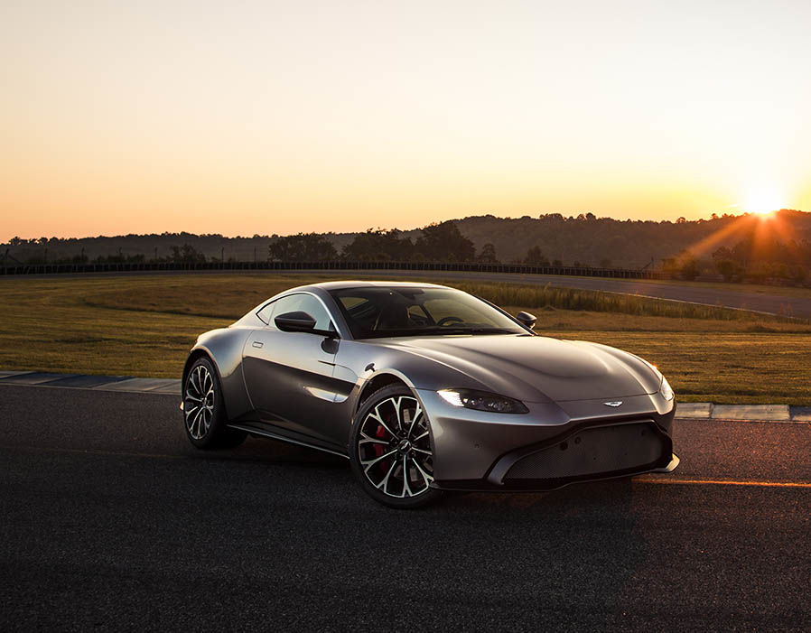 Aston Martin Vantage 2018   price specs release date and 898x701