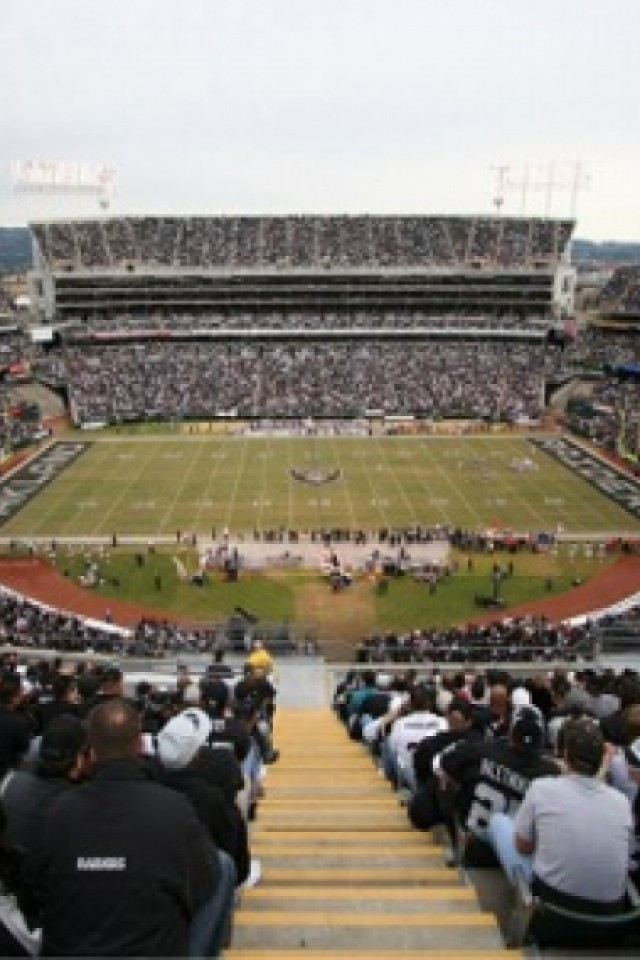 Oakland Raiders iPhone wallpaper 640x960