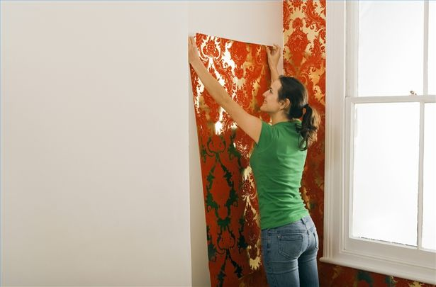 How to Apply Water to Prepasted Wallpaper 5 Steps eHow 615x405