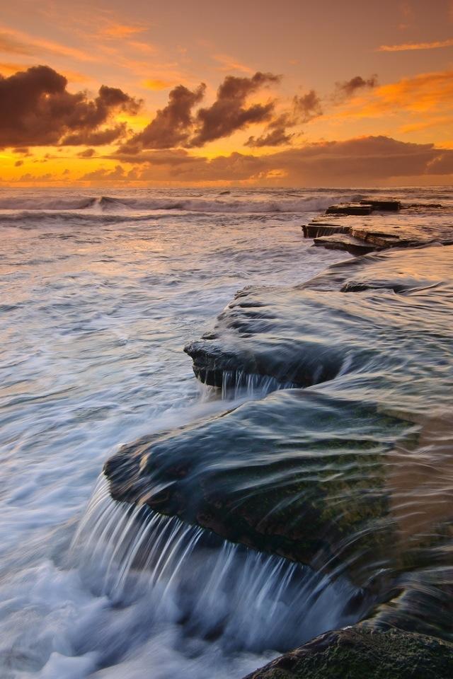 Running water iPhone 4s Wallpaper Download iPhone Wallpapers iPad 640x960