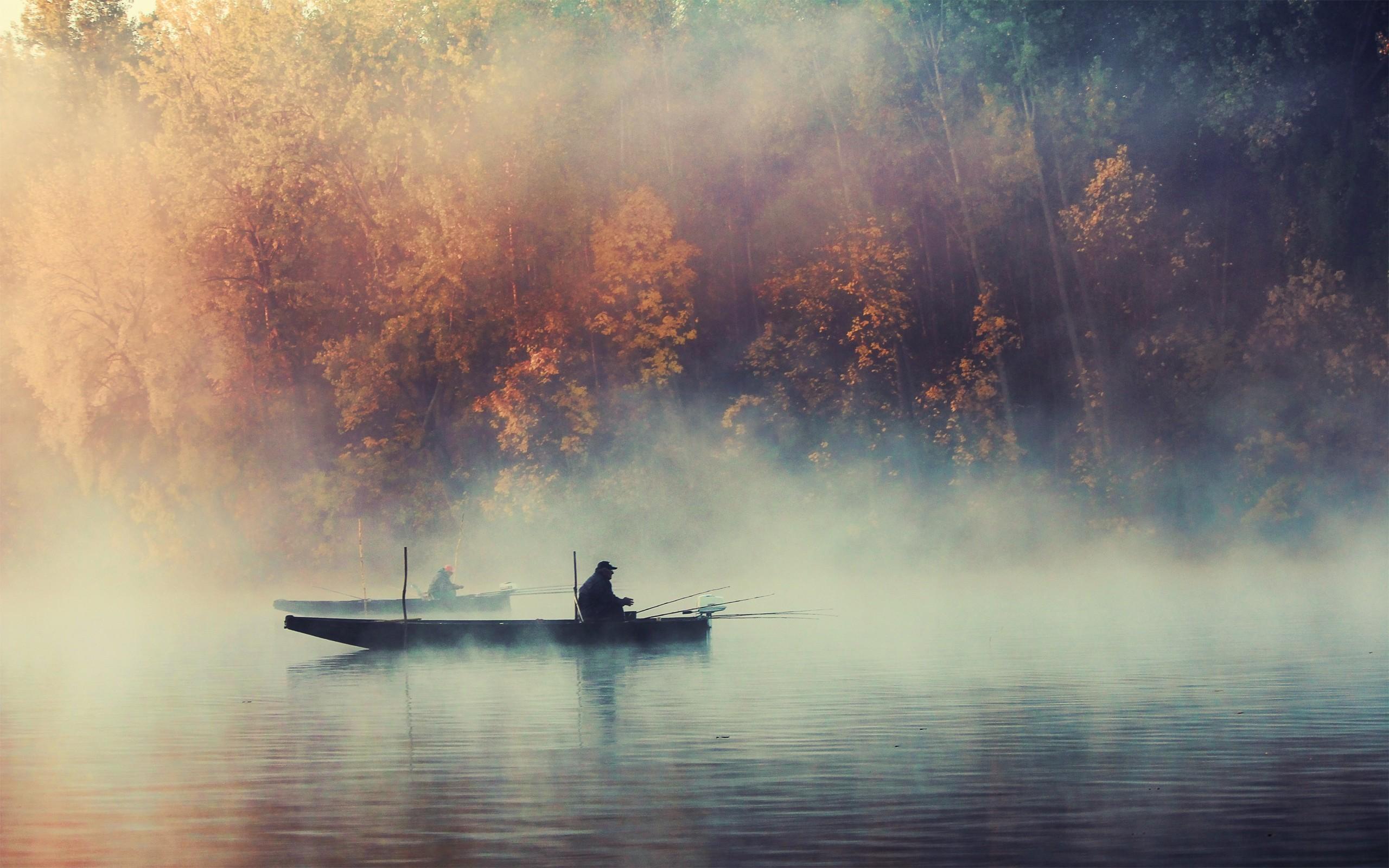 Fisherman Fishing On Lake Wallpaper 1711 Wallpaper Themes 2560x1600