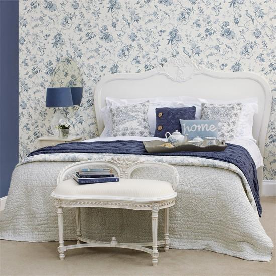Blue bedroom Bedroom designs Floral wallpaper Image 550x550
