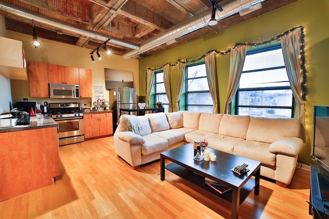 Studio Apartments In Chicago For Sale Imageskuriosfarm 640x427