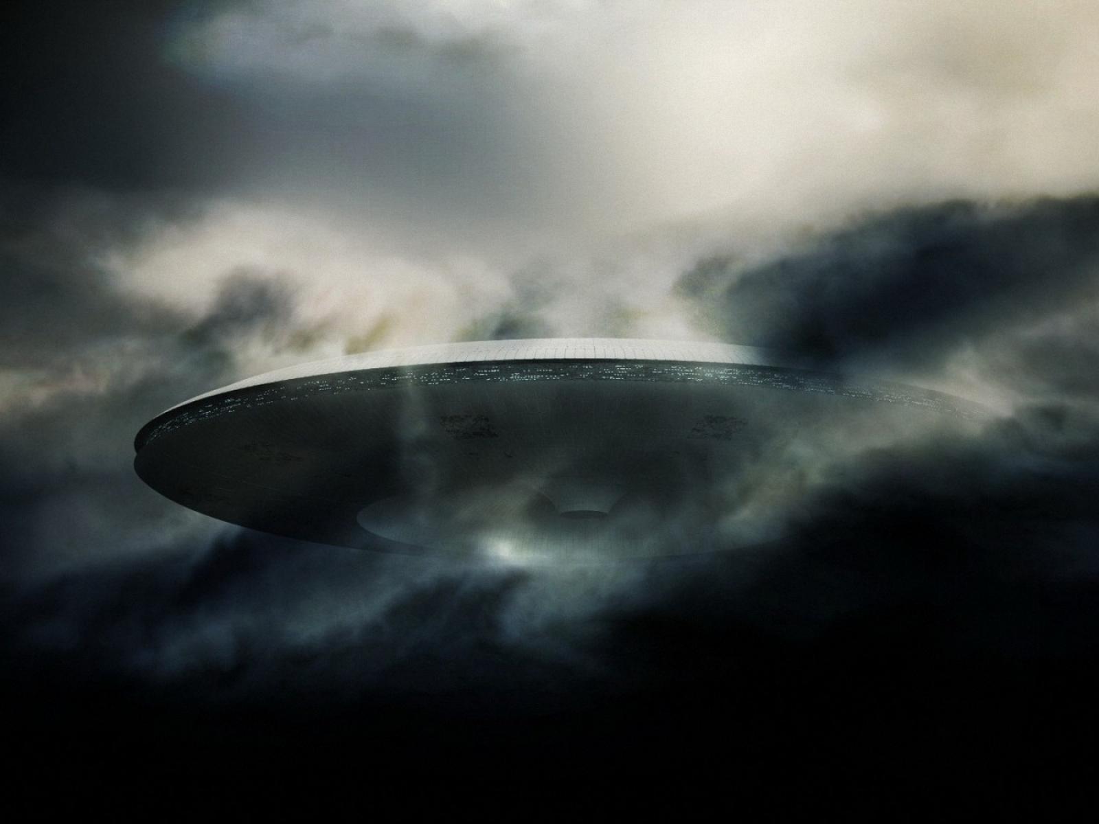 HD UFO Wallpapers Odaklan Evlat   Wallpaper 1600x1200