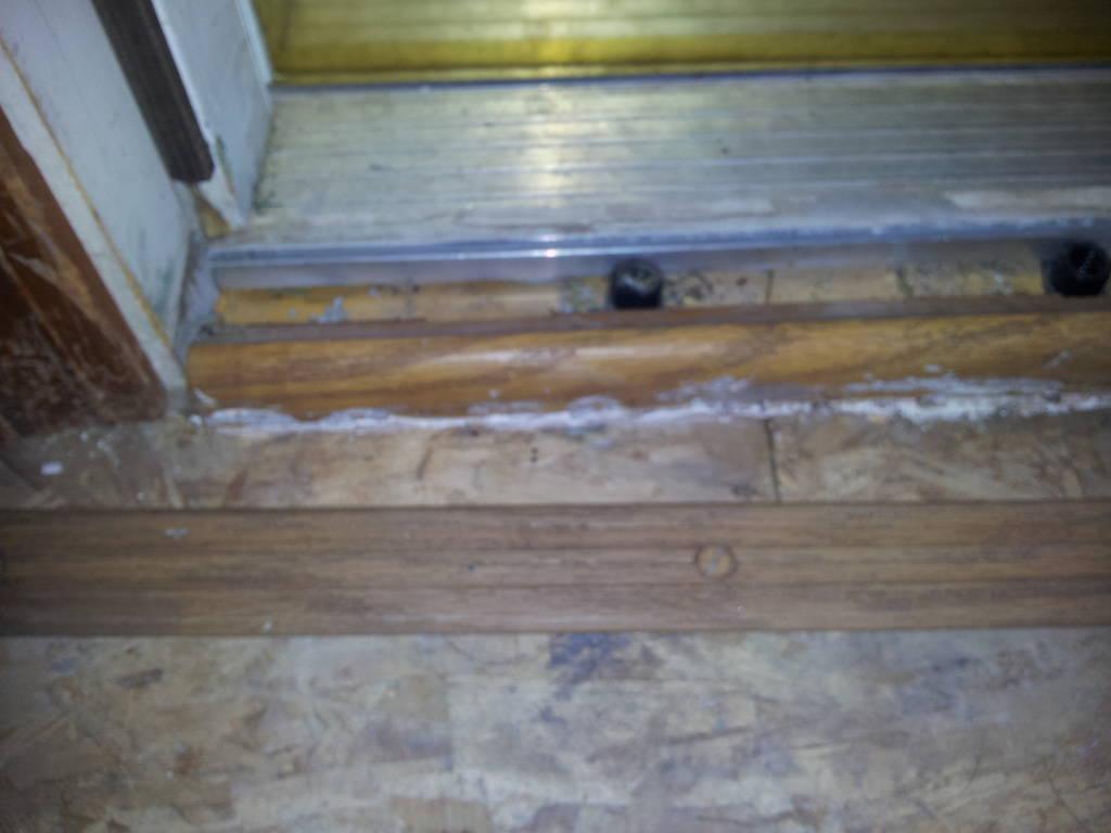 Laminate Flooring Should Laminate Flooring Be Glued 1024x768