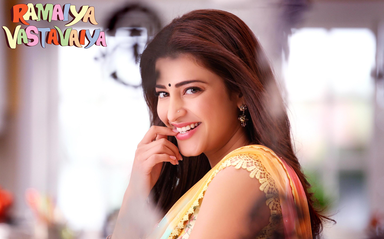 Ramaiya Vastavaiya Actress Shruti Haasan Wallpapers HD Wallpapers 2880x1800
