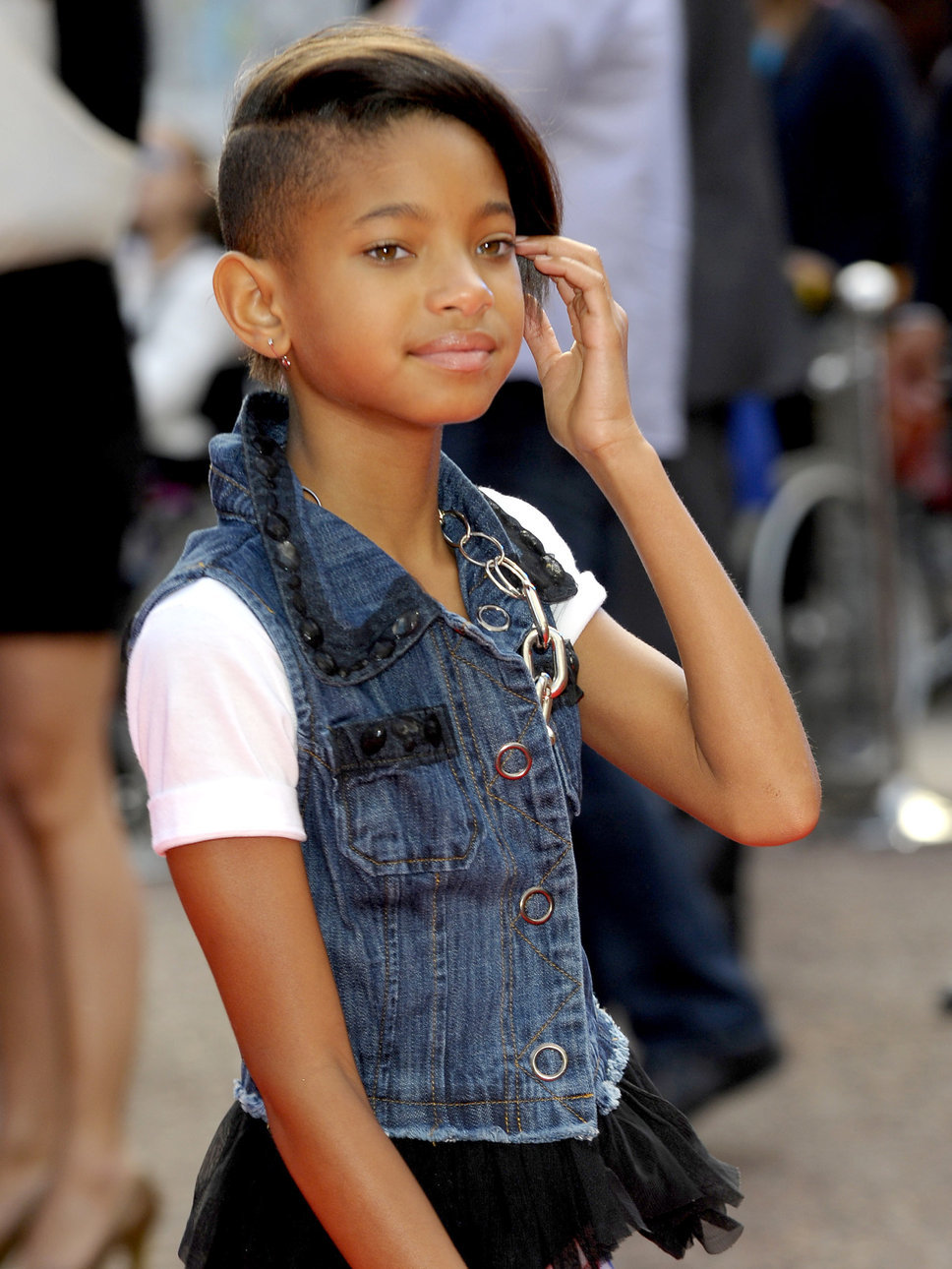Willow Smith   Wallpaper 968x1290