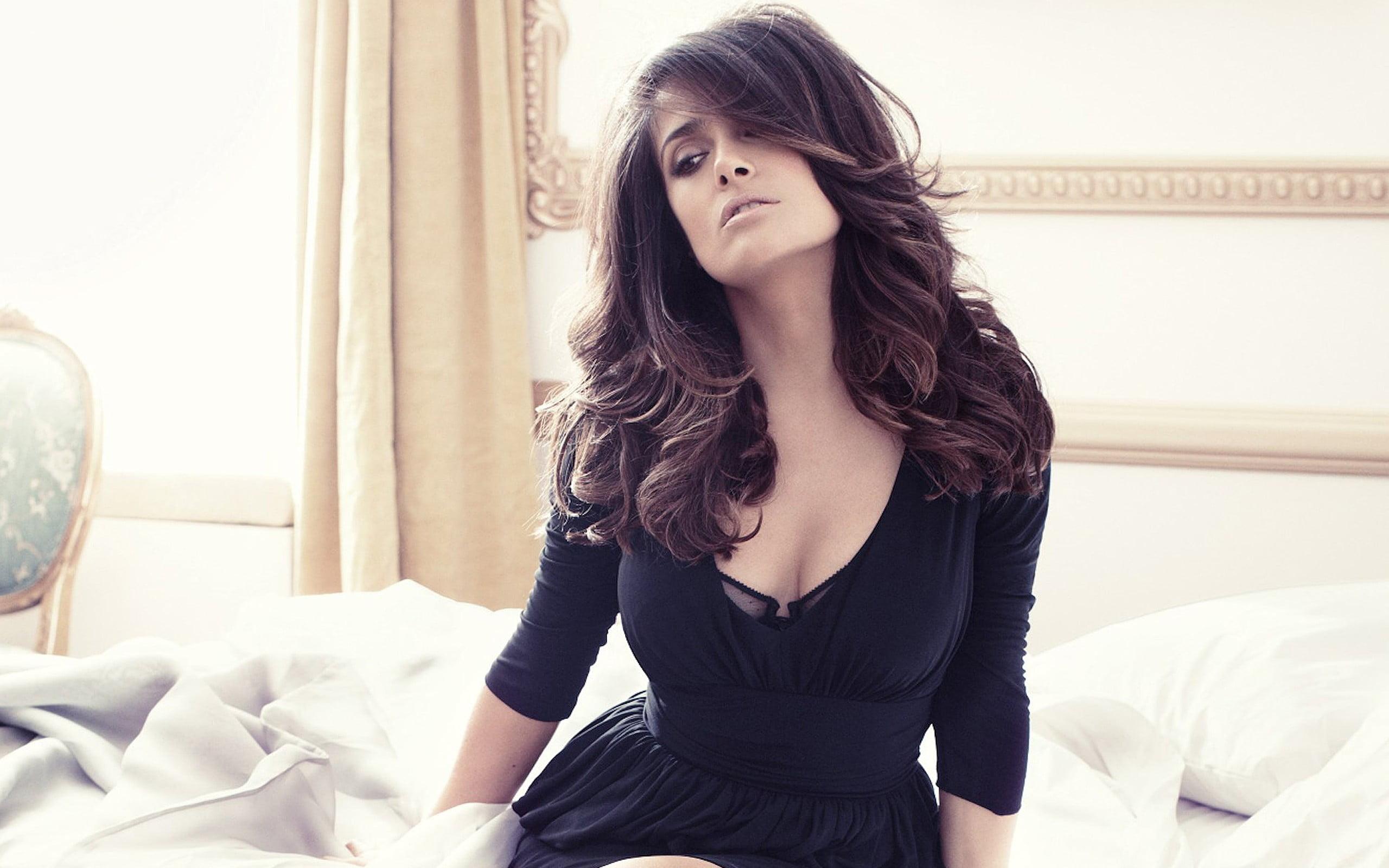 Salma Hayek brunette actress Latinas HD wallpaper Wallpaper Flare 2560x1600