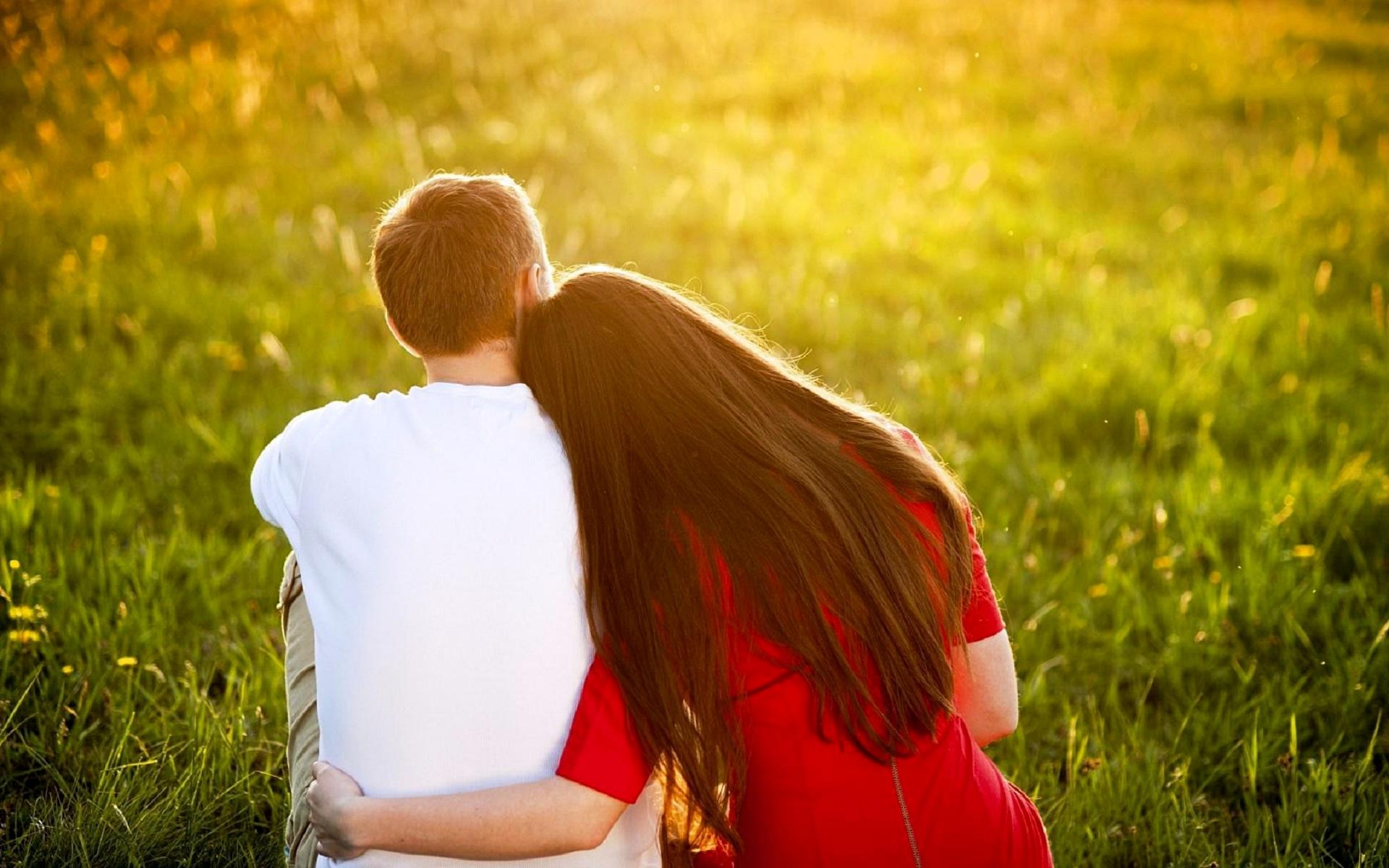 Pics Photos   Wallpapers Couple Hug 1920x1200
