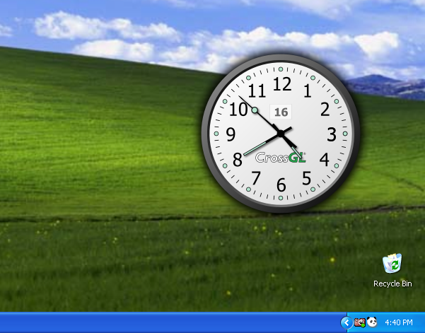 Крупные аналоговые часы с секундной стрелкой, выполненные в двух цветовых схемах и лишённые каких-либо настроек.