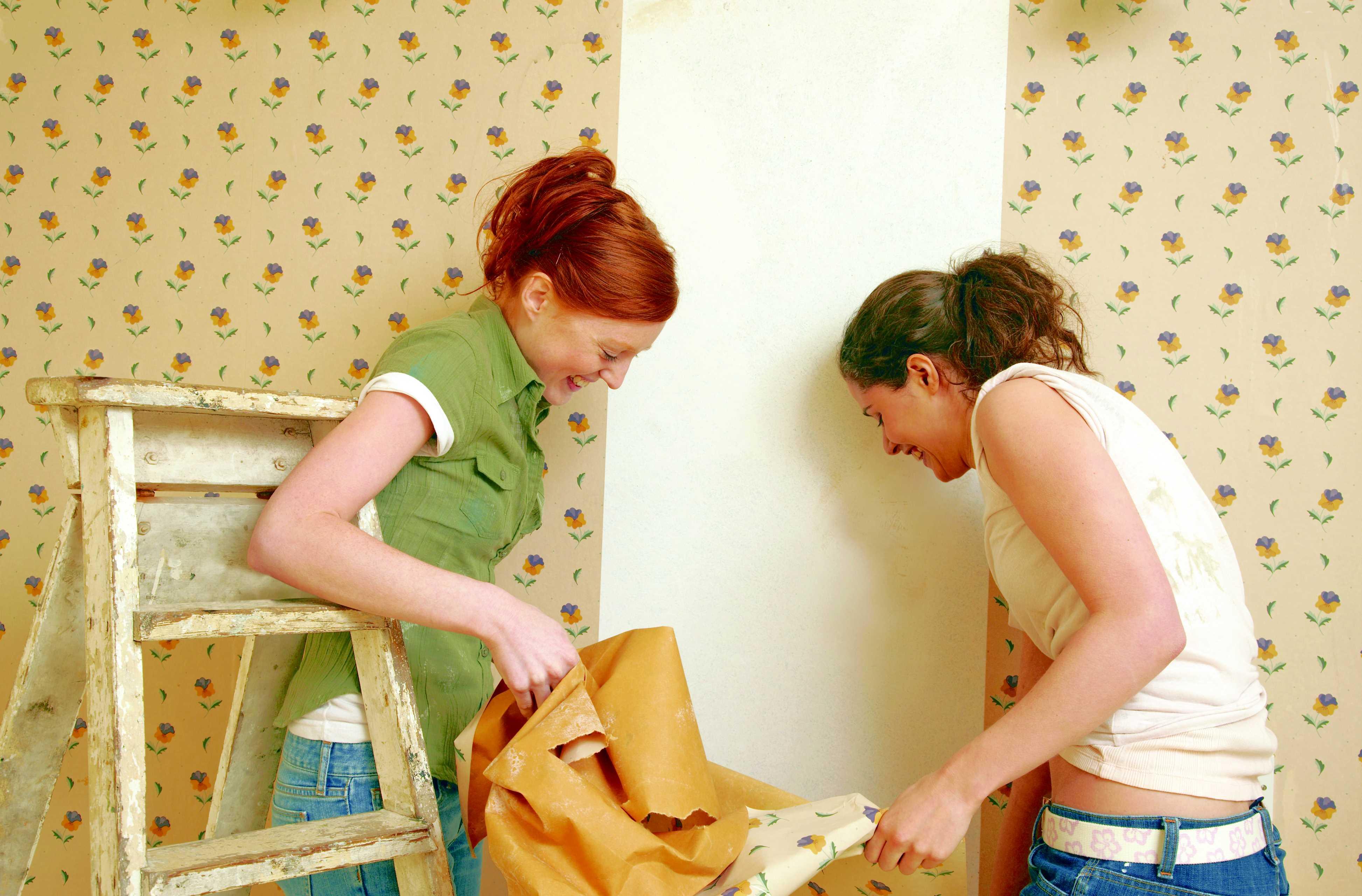 Wallpaper Removal as Easy as Peeling a Banana 3891x2561