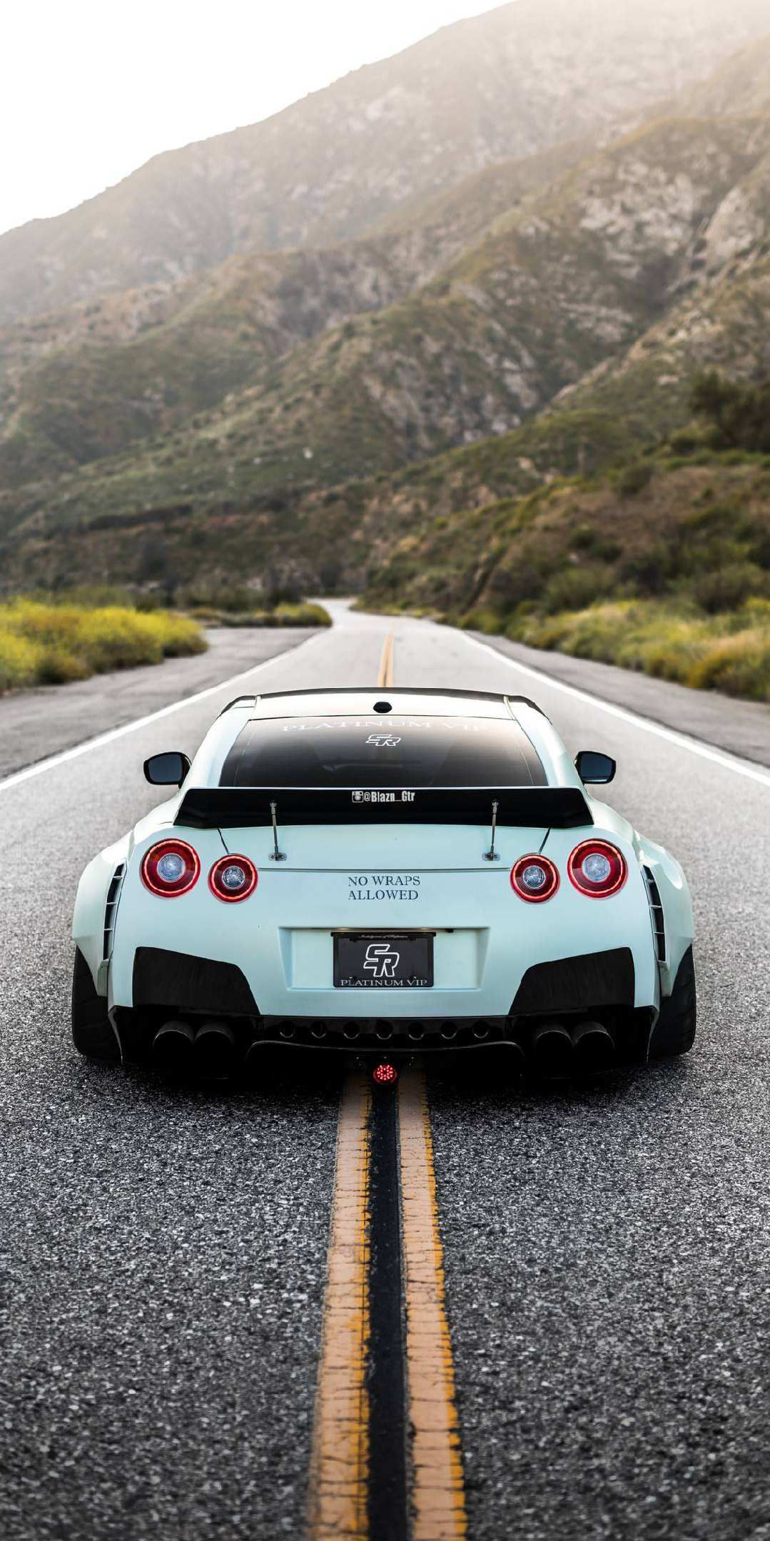 Nissan GTR R35 iPhone Wallpaper Cool cars Nissan gtr r35 1079x2159