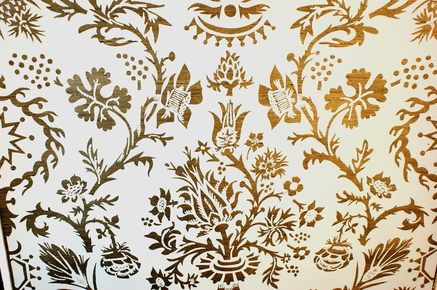 VINTAGE BALMORAL Hand Print Wallpaper Metallic by Sarasotalife 1500x997