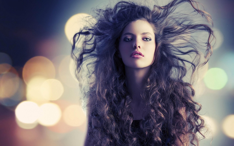 Fashion Girl Hair Style Wallpaper 2880x1800