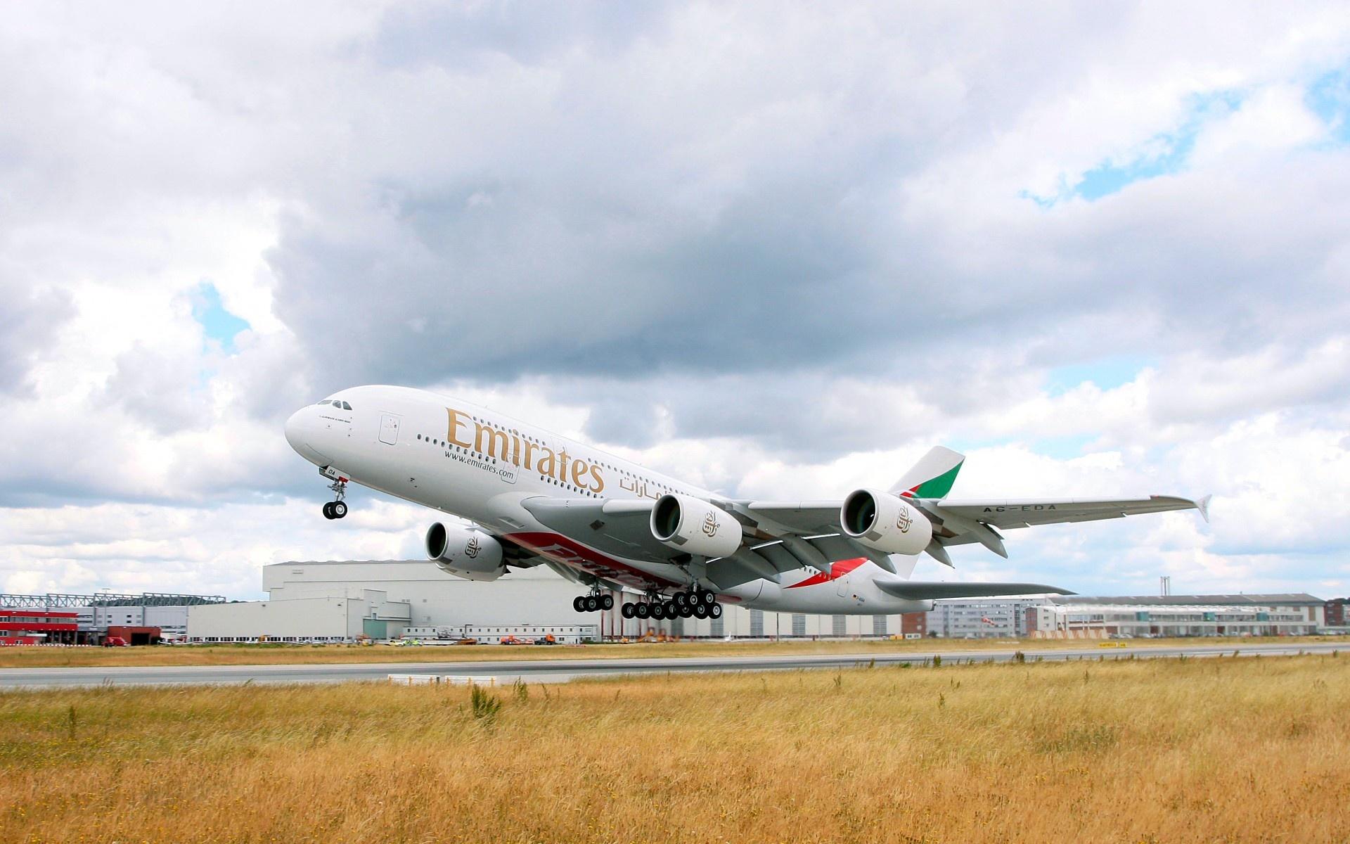 Wallpaper Emirates Airbus Airbus A380 Aircraft plane 1920x1200