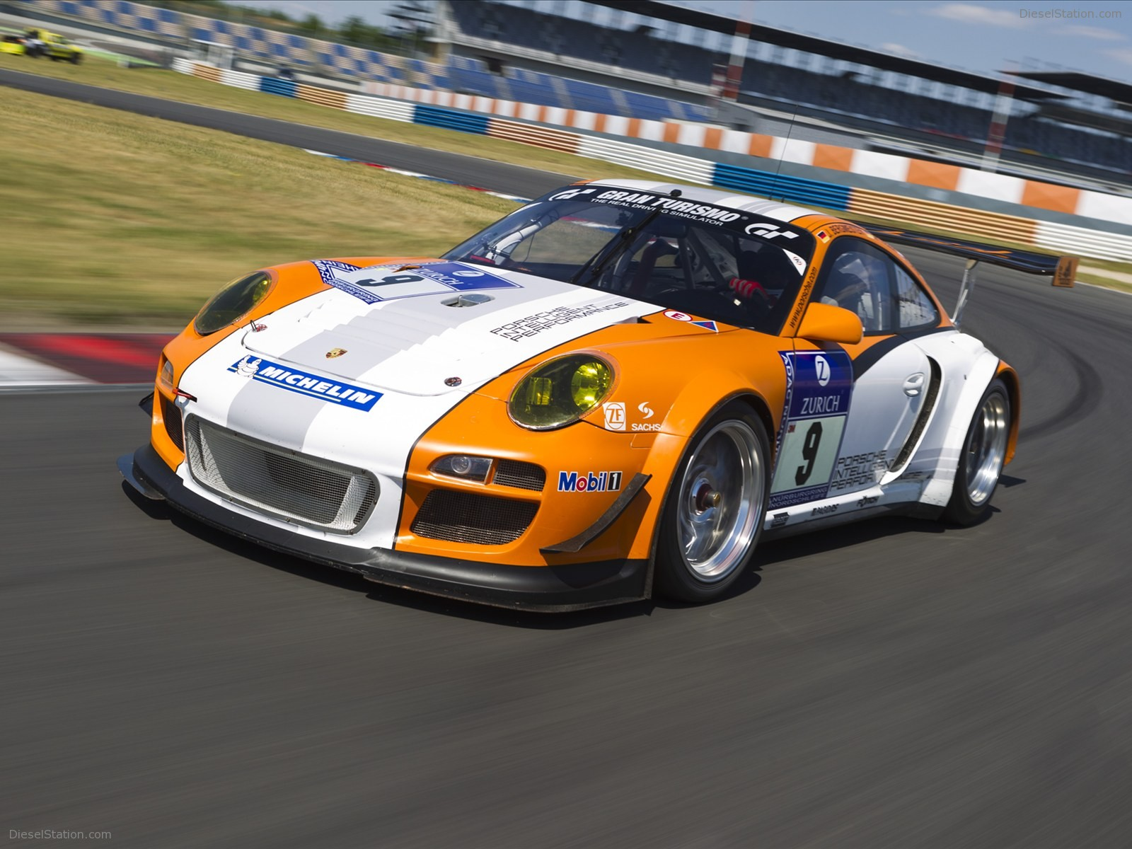 Porsche 911 GT3 R Hybrid at American Le Mans 2010 Exotic 1600x1200