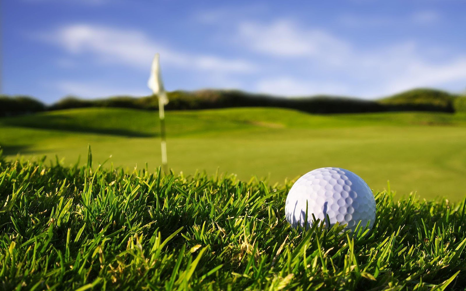 Golf pictures and photos of golfballs and clubs 1600x1000