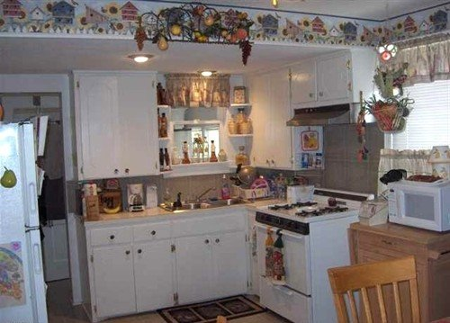 tremendous wallpaper borders for kitchen decoration ideas 500x359