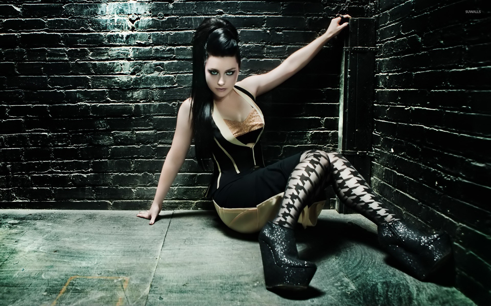 Amy Lee wallpaper   Celebrity wallpapers   13232 1680x1050