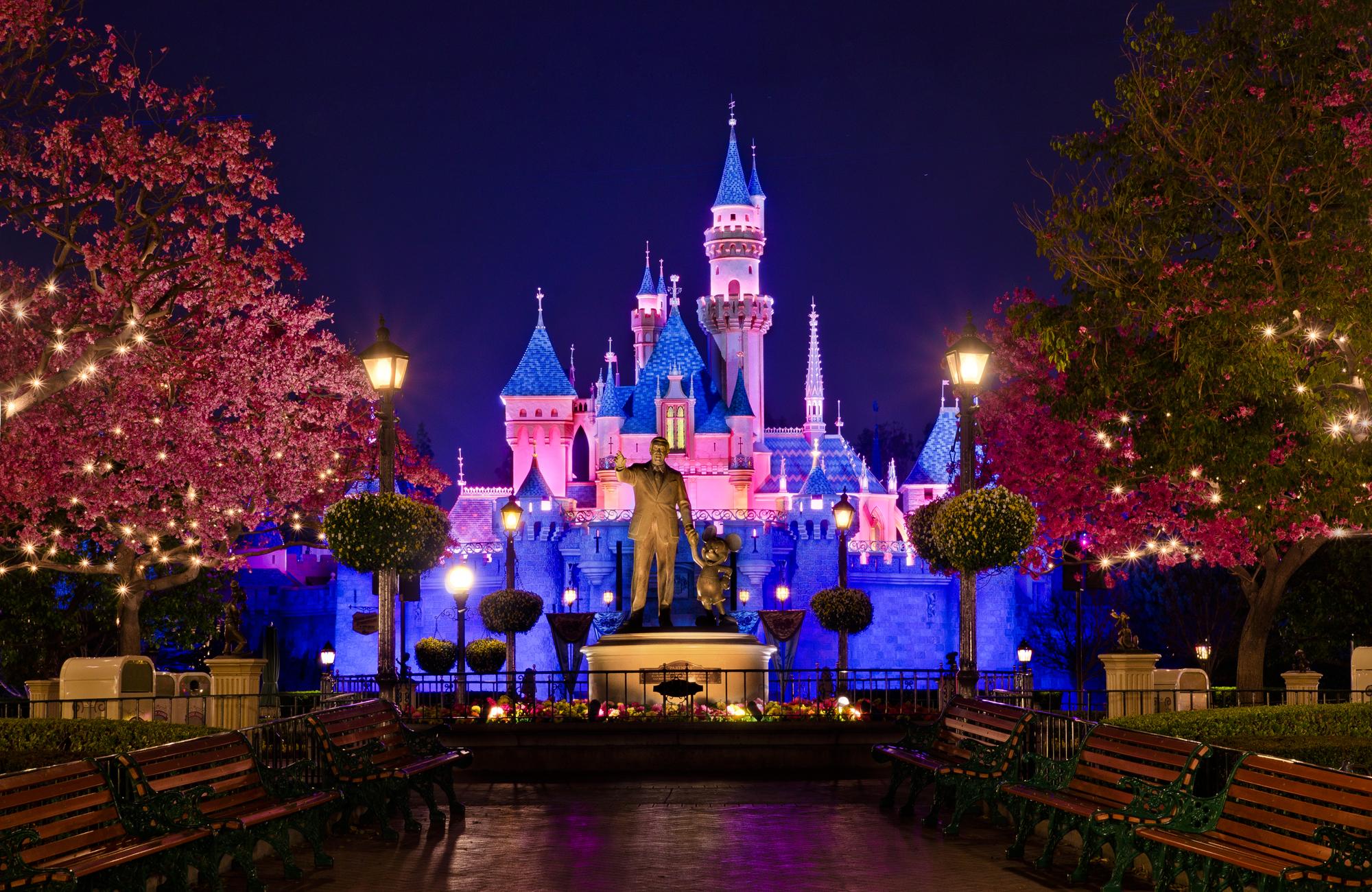 73 Disneyland Wallpaper On Wallpapersafari