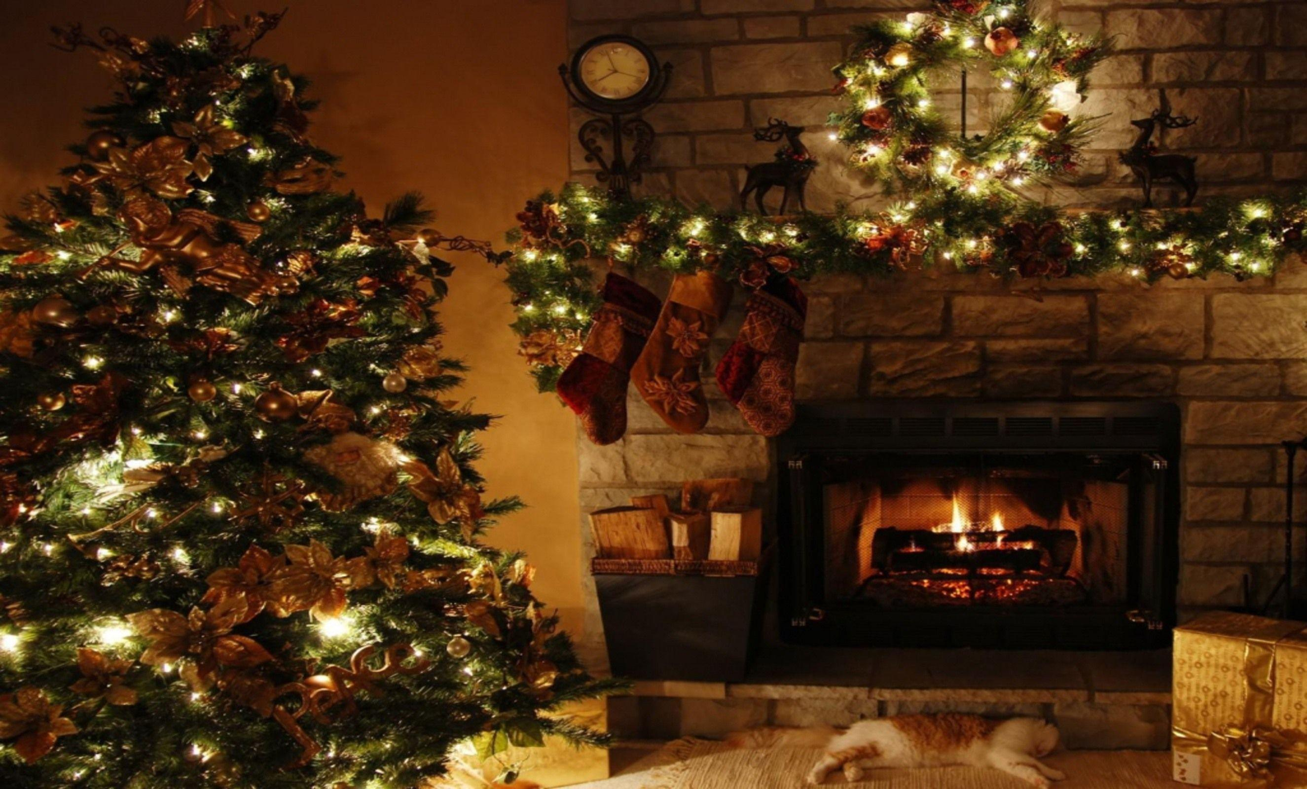 Christmas Fireplace Backgrounds 2650x1600